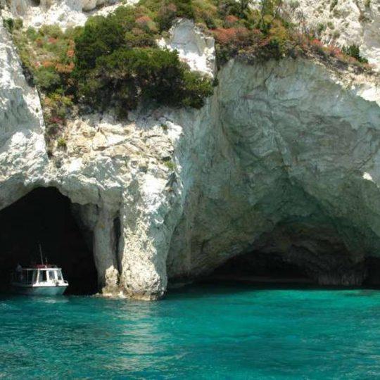 http://villacalma.gr/wp-content/uploads/2016/03/villa_calma_luxury_resort_keri_caves-540x540.jpg