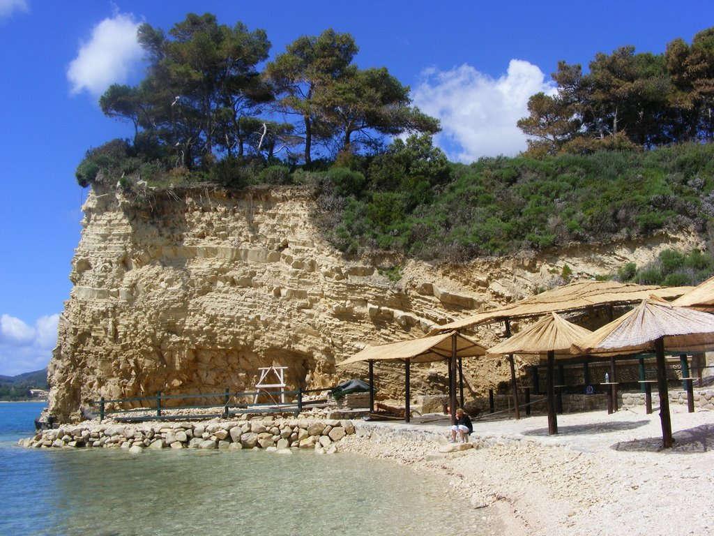 http://villacalma.gr/wp-content/uploads/2016/03/villa_calma_relaxation_agios_sostis.jpg