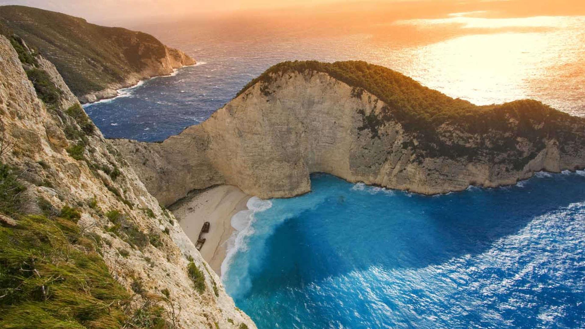 http://villacalma.gr/wp-content/uploads/2016/05/villa_calma_private_boat_trip.jpeg